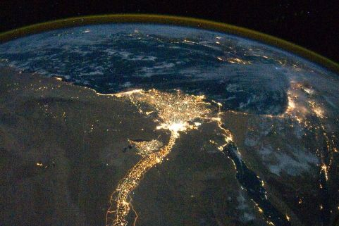1280px-Nile_River_Delta_at_Night_cropped